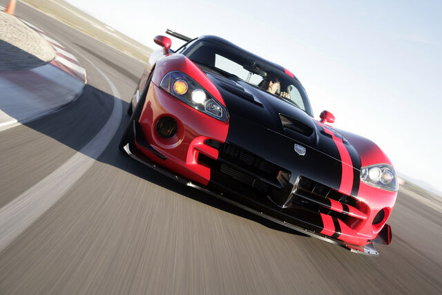 File:2008 Dodge Viper SRT10 ACR 002.jpg