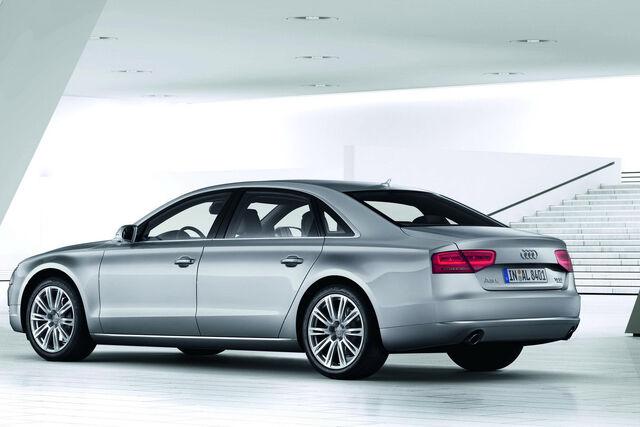 File:2011-Audi-A8-L-W12-11.jpg