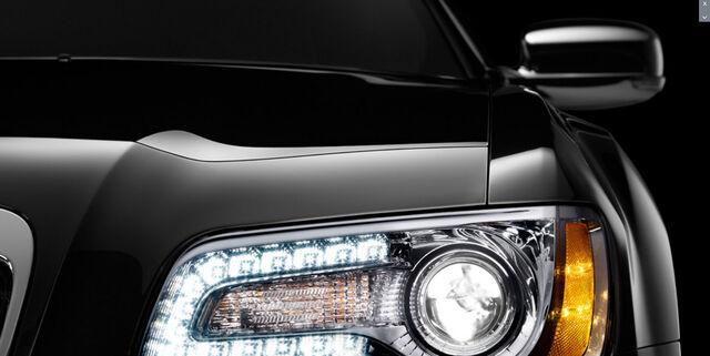 File:2012-Chrysler-300-10.jpg