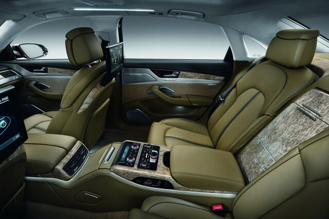 File:2011-Audi-A8-L-W12-31.jpg