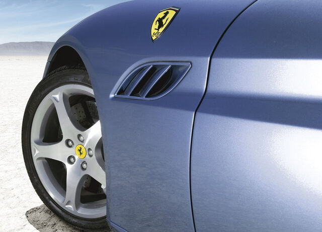 File:Ferrari-california 2009 37.jpg