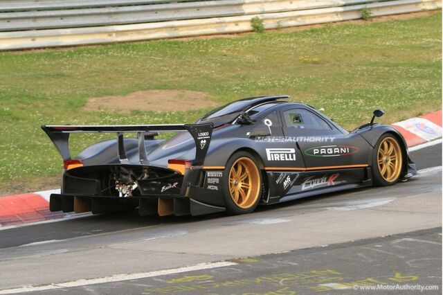 File:Pagani-zonda-r-spied-on-the-ring-setting-new-647-lap-time 100315243 l.jpg