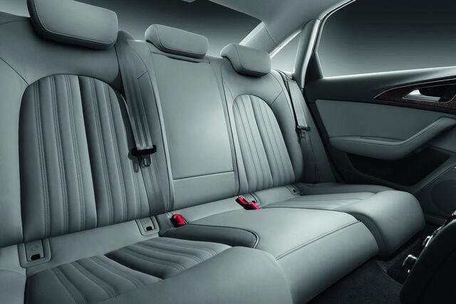 File:2012-Audi-A6-39.jpg