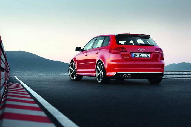 File:Audi-RS3-Sportback-16.jpg
