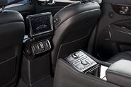 2011-Hyundai-Equus-60