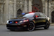Ford-Taurus-Police-Interceptor-6
