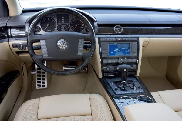File:08-vw-phaeton008.jpg