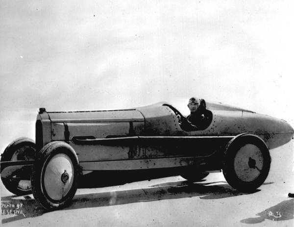 File:Ralph DePalma in his Packard 905.jpg