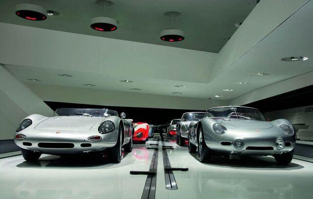 File:Porsche museum 009-0122-950x600.jpg