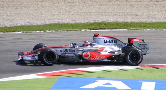 File:Fernando Alonso Monza 2007.jpg