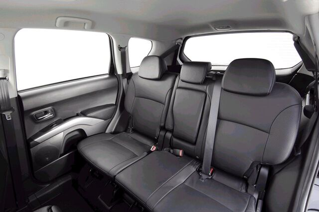 File:Peugeot400711.jpg