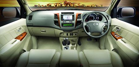 File:Toyota Fortuner Facelift Thailand 11.jpg