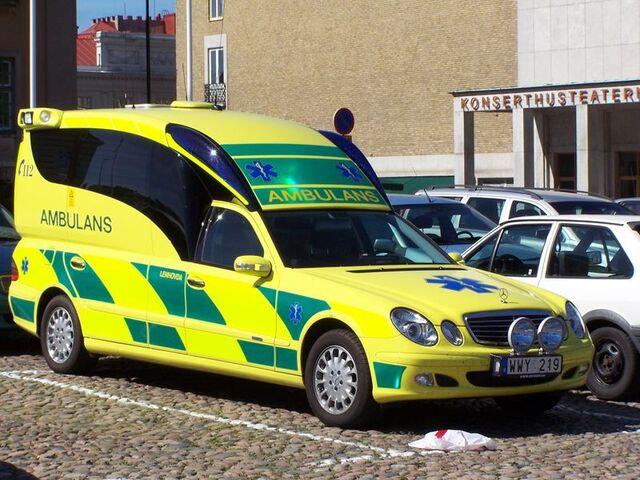 File:Swedish ambulance Kronoberg.jpg