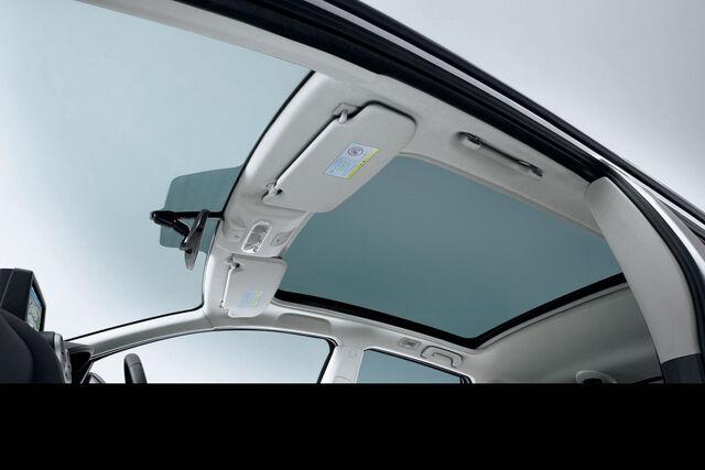 File:2011-Nissan-Dualis-13.JPG