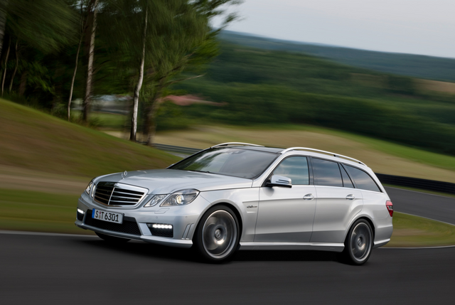 File:2010 Mercedes E63 AMG Wagon 1.png
