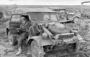 """Bundesarchiv Bild 101I-022-2926-07, Russland, Unternehmen """"Zitadelle"""", VW Kübelwagen"""
