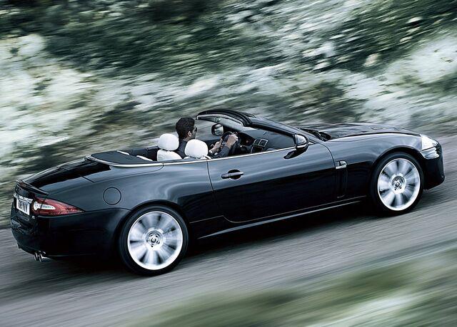 File:2010 Jaguar XKR 7.jpg