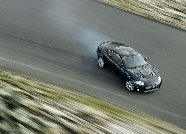File:2010-jaguar-xk-r 1.jpg