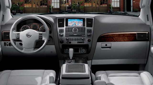 File:2010-Nissan-Armanda-2.jpg