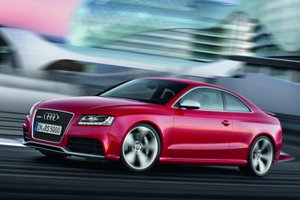 2011-Audi-RS5-Coupe-1small