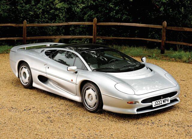 File:Jaguar-xj220-concept-car-10-1024x742.jpg