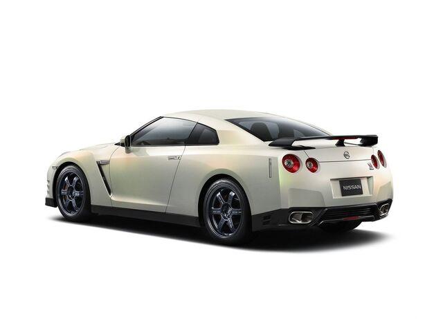 File:Nissan-gt-r 2011 3b.jpg