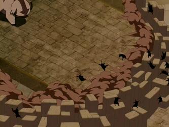 File:Aang battles Royal Guards.png