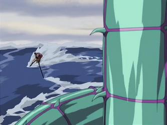 קובץ:Aang fights the serpent.png
