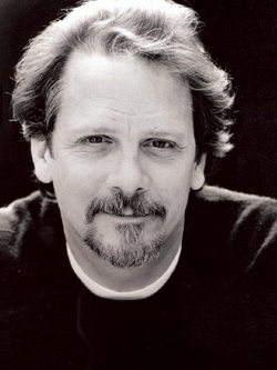 File:Keith Szarabajka.png