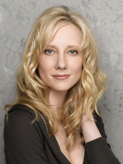 File:Anne Heche.png