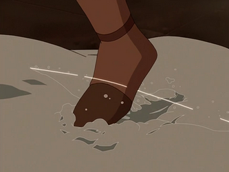 File:Aang activating a tripwire.png