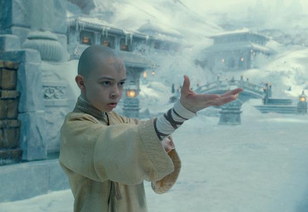 Berkas:Film - Aang prepares to waterbend.png
