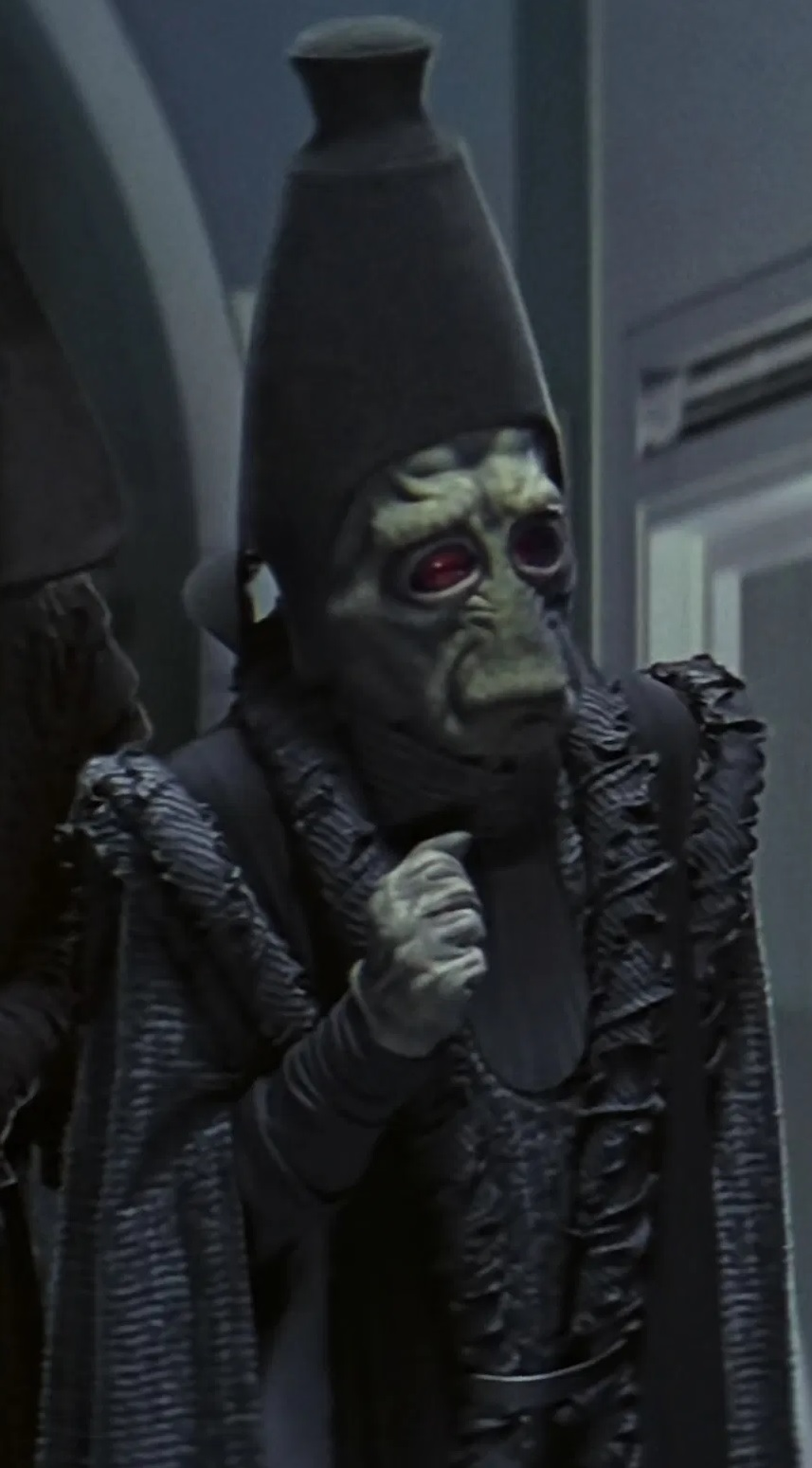File:Alan Ruscoe as Daultay Dofine.jpg