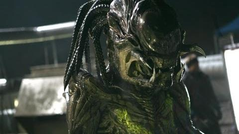 Aliens vs Predator Requiem, AvP R- Pred-Alien- Sculpting Hybrid Predator With Alien-0