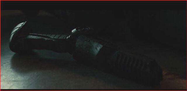 File:Predators plasma pistol 2.jpg