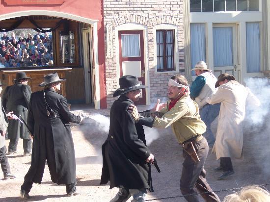 File:Gunfight at the O.K. Corral.jpg