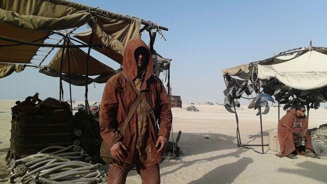 File:PAY-Star-Wars-Epsiode-VII-set-photos-in-Abu-Dhabi (4).jpg