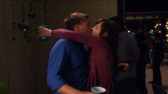 File:Jenna kisses Jake in Old Jenna.jpeg