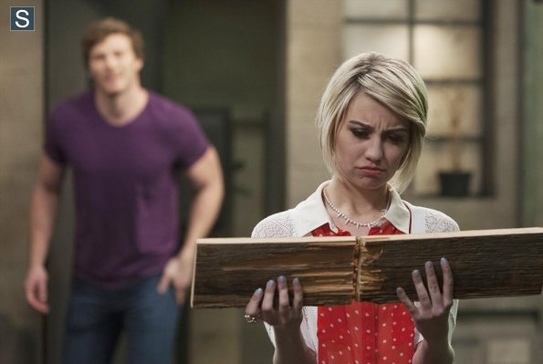 File:Baby Daddy - Episode 3.21 - You Can't Go Home Again - Promotional Photos (24) 595 slogo.jpg