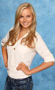 Chelsie (Bachelor 18)