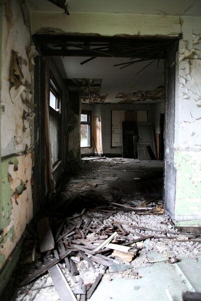 Abandonroom3