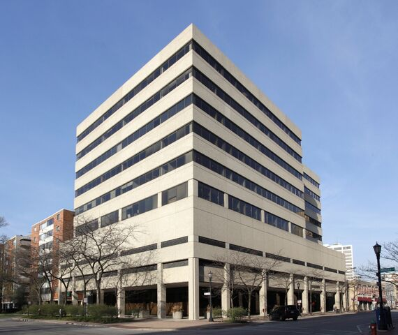 File:Evanston-office-building-bought-by-Steelbridge-Capital-and-Family-Office.jpg