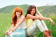 Debby-ryan-bella-thorne-le-photoshoot-des