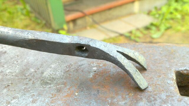 File:Forging the claw - 09.jpg