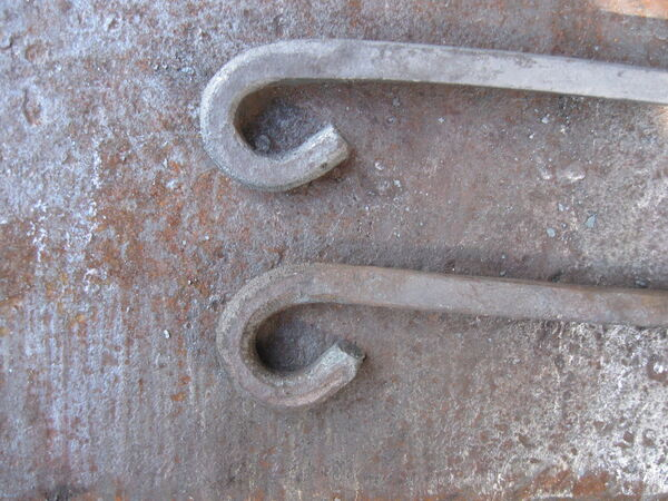 Making steel hooks for arms - 06