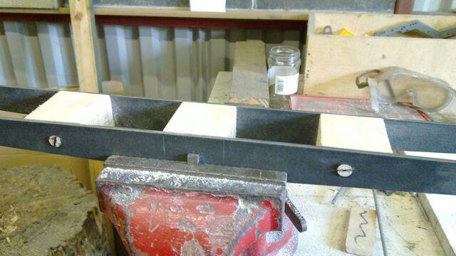 File:Assembling the little ladder - 09.jpg
