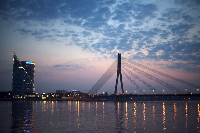 File:Riga Bridge by Twilight.jpg
