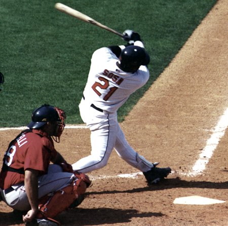File:Sosa swinging4.png