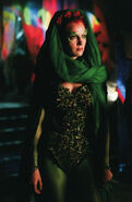 Poison Ivy (Uma Thurman) 6