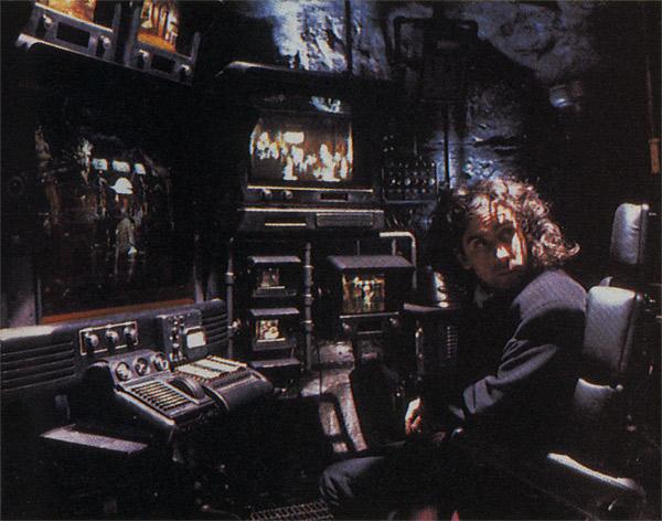 File:1989BehindtheScenes12.jpg